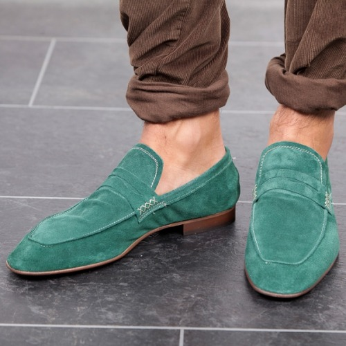 gentleman-forever:  Green loafers facebook.com/GentlemanF