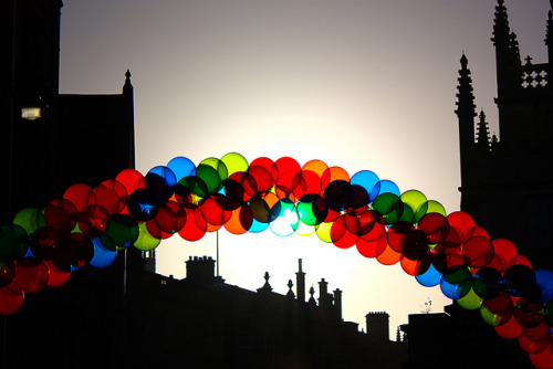 beautifuloxford:   Balloon arch, Oxford (by Manic Street Preacher on Flickr) License: CC BY-NC-SA 2.0
