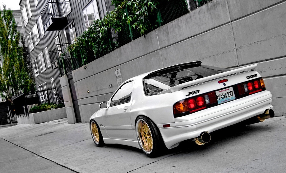fuckyeahcargasm:  Perfect just the way you are Featuring: Mazda RX-7 FC3S