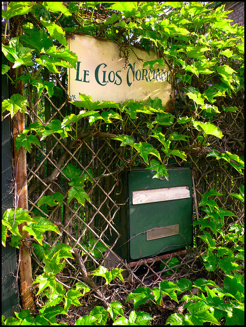 Le Clos Normand by d.p.Hetteix on Flickr.