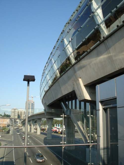 Transitecture, a slideshow of SkyTrain stations in Vancouver. Via a retweet from @vantransient, a Twitter account that RTs the experiences of transit-riders in Vancouver.
