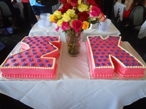 sorority-l0ve:  Bid Day or Recruitment cake for Sigma Kappa!