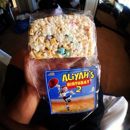 #capncrunch #krispies ##aliyahmarie #bomb #hypebeasteats (Taken with Instagram)