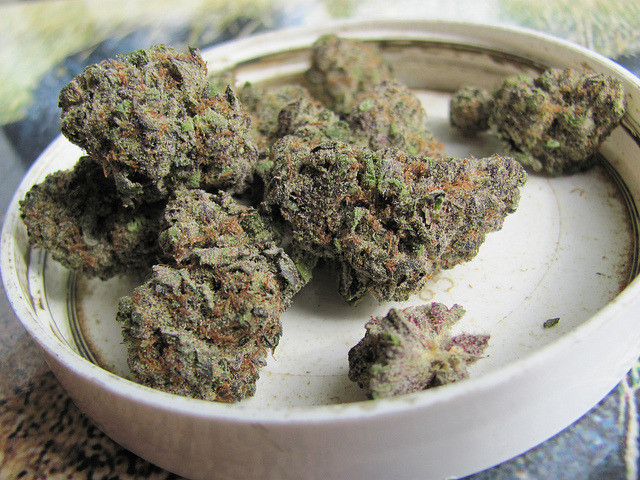 smokinweed:  Now that's some beautiful indica.