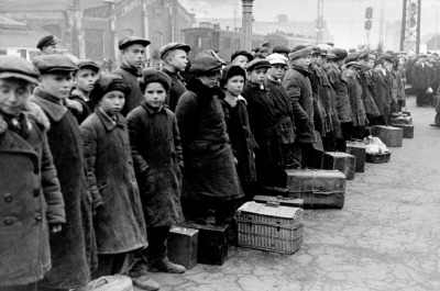 Yakov Khalip, Fathers to the Front, Children to the Factories, Moscow, 1941