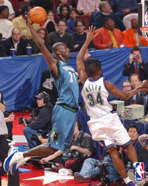 everythingceltics:  KG showing Ray Allen the art of posterizing.