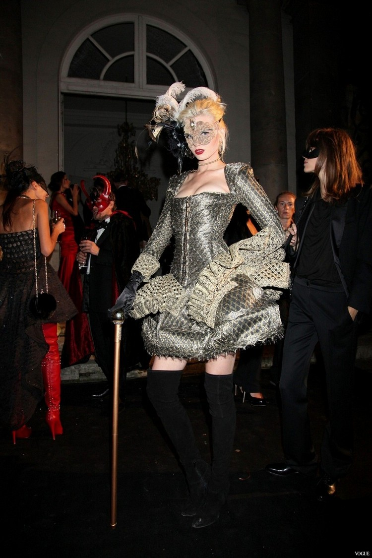 suicideblonde:  Abbey Lee Kershaw at the bal masqué celebrating 90 years of Vogue Paris, September 30th, 2011