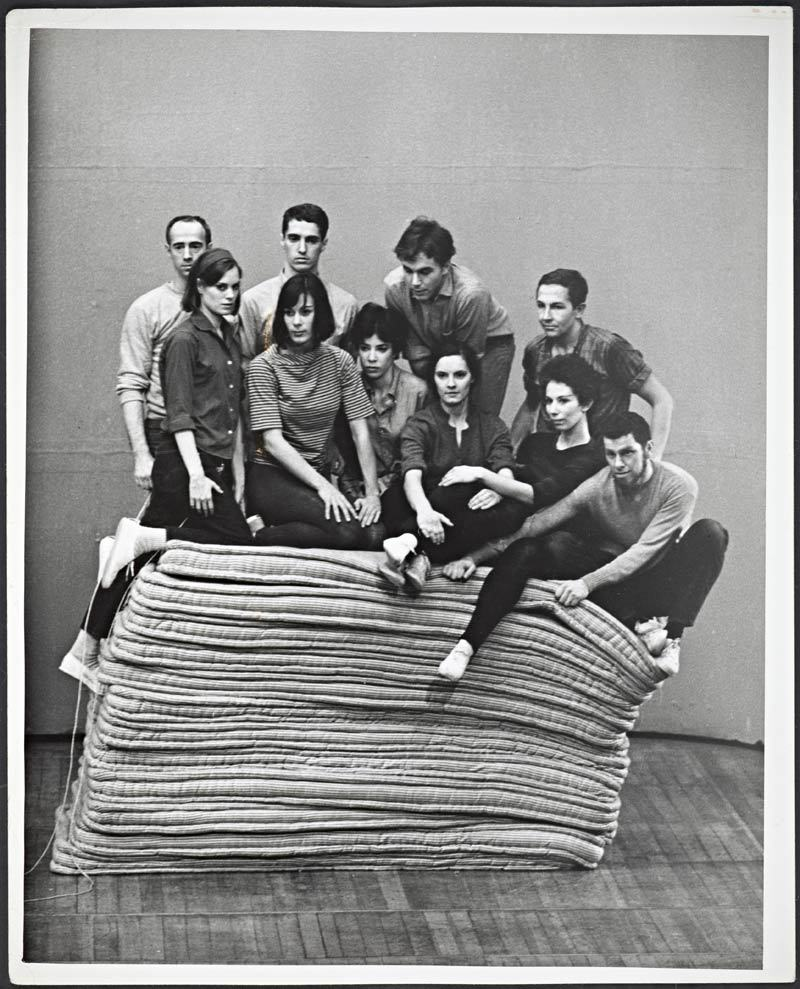 Yvonne Rainer, Parts of Some Sextets, 1965. With Robert Morris, Lucinda Childs, Steve Paxton, Yvonne Rainer, Deborah Hay, Tony Holder, Sally Gross, Robert Rauschenberg, Judith Dunn und Joseph Schlichter.