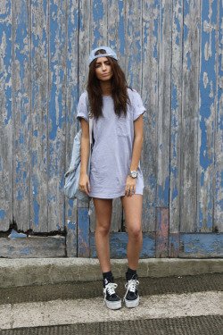ldn-kid:  ryanocerosss:  girls with baggy t shirts and legs showing jergaieryuhga  agreeeed