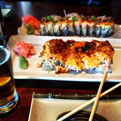 #currentstatus #sushi #bigtuna #lobster #gold #beer #foodporn #sapporo (Taken with Instagram)