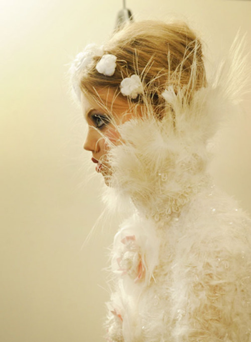 stopdropandvogue:  Lindsey Wixson backstage at Chanel Haute Couture Fall/Winter 2012