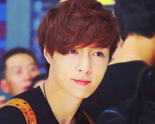 11/15 pictures of Lay