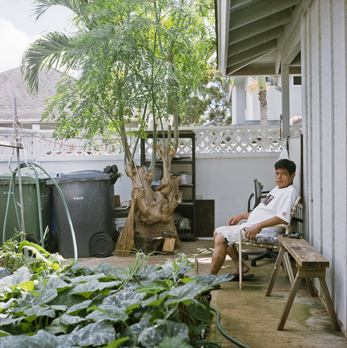 uncle // ewa beach, HI // rolleiflex 2.8e being in the garden has been his therapy and road to recovery. praise god for this man and his journey of life.
