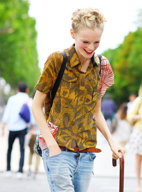 stopdropandvogue:  Hanne Gaby Odiele's street style during Haute Couture Fall/Winter 2012 week in Paris. Hanne is wearing a Dries van Noten shirt. Photographed by Phil Oh.
