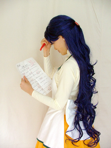 spaceswordblaster:  One of my favorite Sailor Moon cosplays  Mamãe Ikuko! Que igual! >_< AAAAAAAAAAAAAAAAAAA