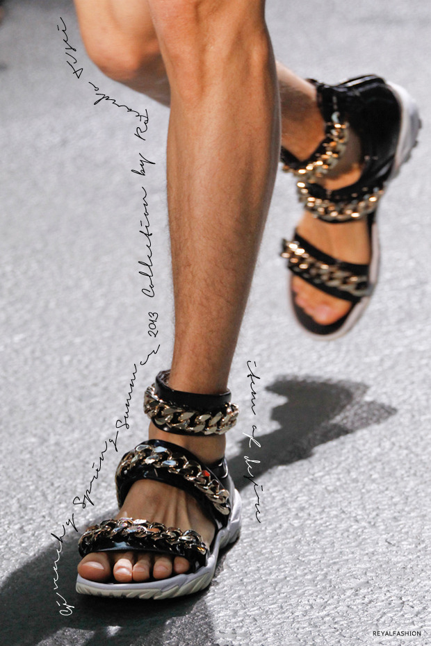 Item of Desire Givenchy Gold Chain Sandals I'm not a big fan of showing my feet, but these babies right here could get me to showcase my toes anywhere, any day and at any time. They're from the Givenchy Menswear Spring/Summer 2013 Collection by Riccardo Tisci. I want. I want.