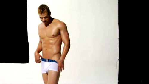 Kellan Lutz (photo shoot)