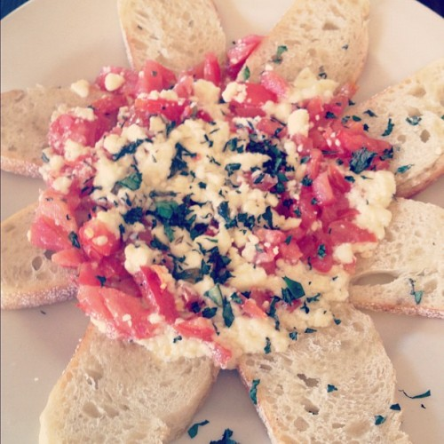 Let's play, bruschetta