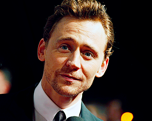 086/100 | Tom Hiddleston