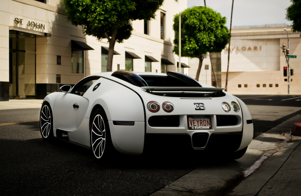 automotivated:  400 000 (by Bernardo G. Macouzet)