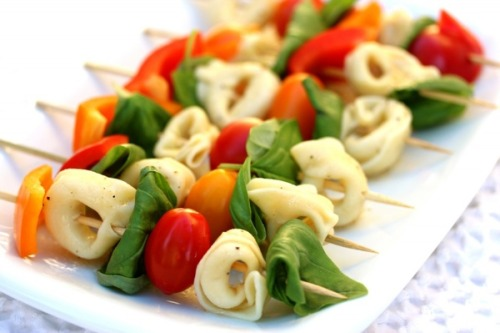 Simple summer pasta salad… A great idea if you have guests!