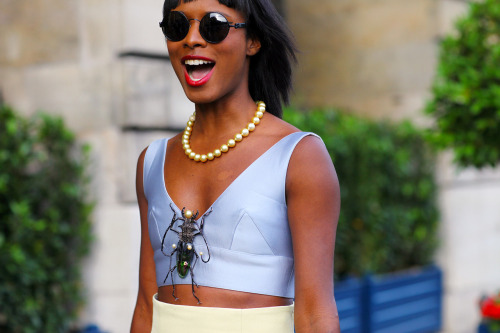 jadoreprettythings:   Paris Couture Fall 2012 Street Style