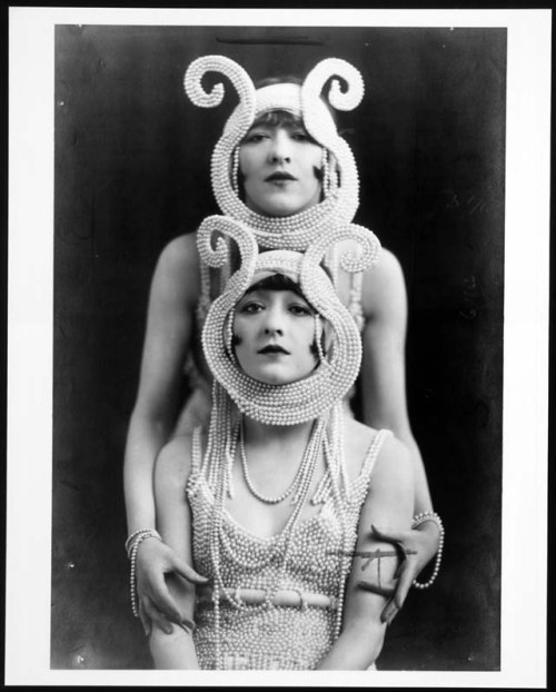 annadoll2001:  The Dolly Sisters {pearls}
