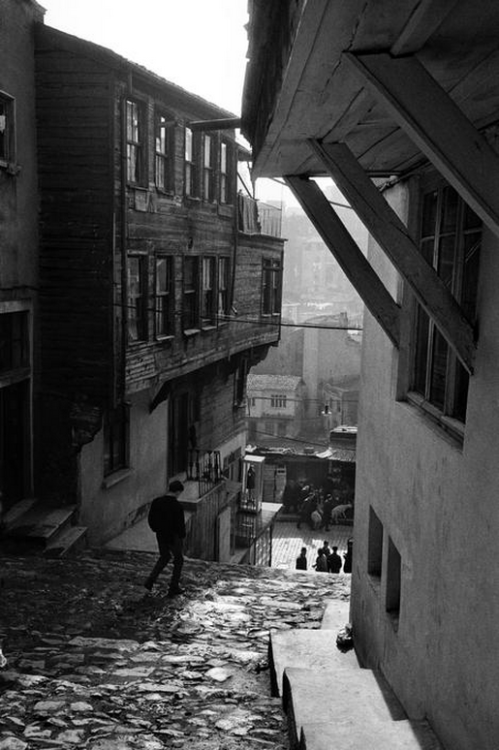 street in tophane leading to bogazkesen, turkey, 1959 photo by ara güler