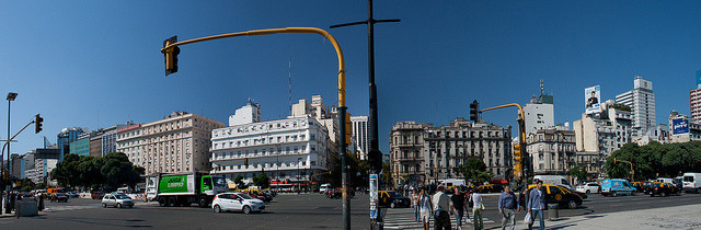 Buenos Aires - Avenida de 9 Julio -0738-0741 by Jeannot56 on Flickr.Via Flickr: A stitch from 4 handheld photographs. PSE7 did a fine job, because the cars and pedestrians moved and because that they were diffrent on each photograph.