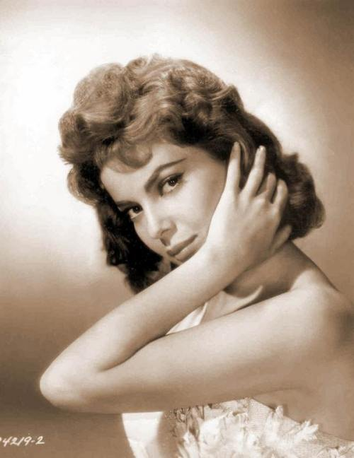 theniftyfifties:  Gina Lollobrigida  Timeless Beauty