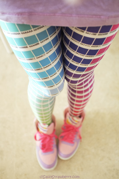 roxysass:  pichiinyan:  thesassystrawberry:  My #hexcolourlegs from Black Milk. I am totally addicted to them <3 Paired with my Swimmer kicks.  hyperventilating. i need these.  screaMS I NEED THESE