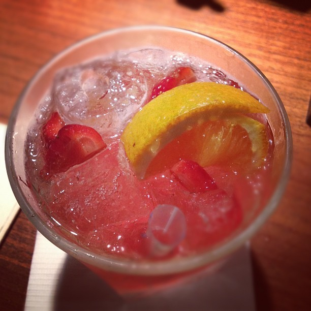 Bubble gum cocktail. #raspberry #vodka , #peach #liqueur , #banana liqueur, cranberry juice! ;) #cocktail  (Taken with Instagram at Casa)