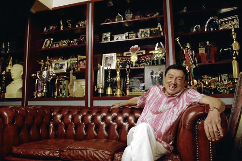 "pinoytumblr:  Dolphy passes away at 83 The Philippines' Comedy King Dolphy passed away shortly after 8:30 p.m., his son Eric Quizon said Tuesday night.  ""My Dad is now with his creator,"" Quizon said of his father who had been confined at the Makati Medical Center since June 9 and will turn 84 on July 25.  Five years ago, Dolphy was diagnosed with Chronic Obstructive Pulmonary Disease (COPD), an illness that results in breathing difficulty and worsens over time.  Quizon recently revealed that Dolphy's COPD had progressed to Stage IV.  ""Five years ago, sinabihan na siya na stage four 'yong sakit niya na 'yon. When you say stage four in cancer terms, very critical na 'yon,"" Quizon said in an interview with a television program last June 20.  Read More » (via amateurdreamer)"