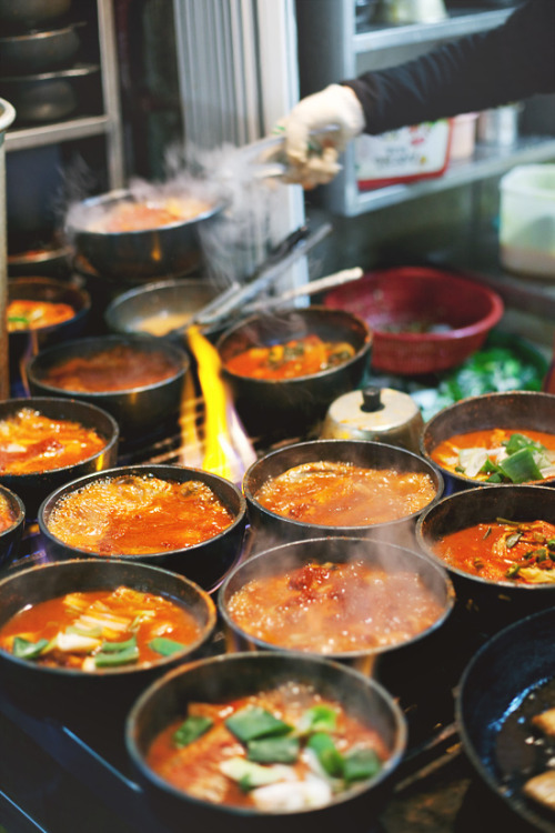 commanderspock:  foodopia  bubbling stone pots of jjigae (stew), korean street food
