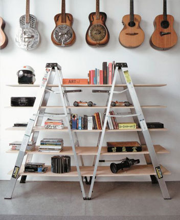 A creative twist on the standard shelving solution. Great for those who can't bolt into walls! Found here. - Team Forrage