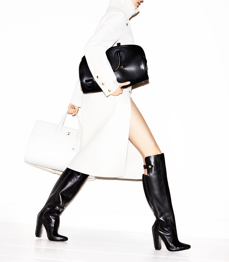 harpersbazaar:  The Doctor (Bag) is In Jennifer Livingston, June/July 2012