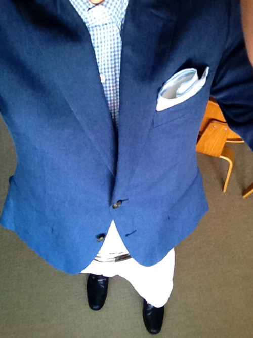 getdressedmen:  GDM:Matine blue linen, gingham, white jeans and navy loafers. Styling
