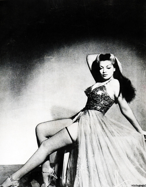 Burlesque dancer, Zorita c. 1940's