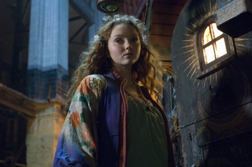 "the-storytime:  Lily Cole in "" The Imaginarium of Doctor Parnassus"""