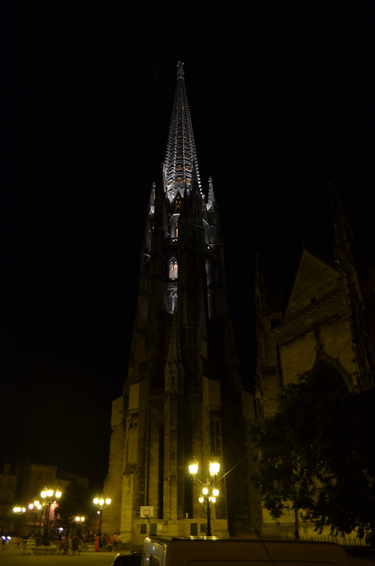 Basilique St. Michel at night (Bordeaux)