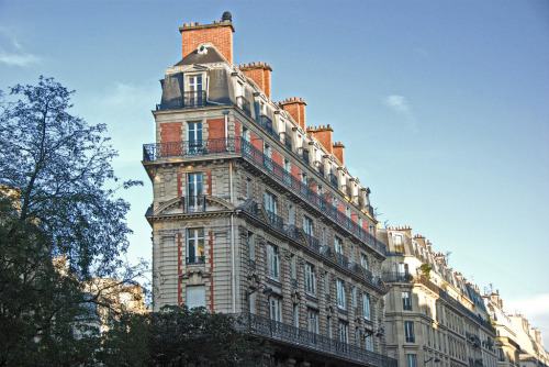 allthingseurope:  Paris Corner Building (by john weiss)