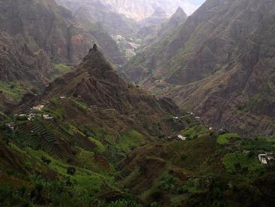 travelingcolors:  Ribero, Santo Antão | Cape Verde(by bio milch)