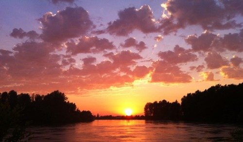 Sunset over the Skagit River