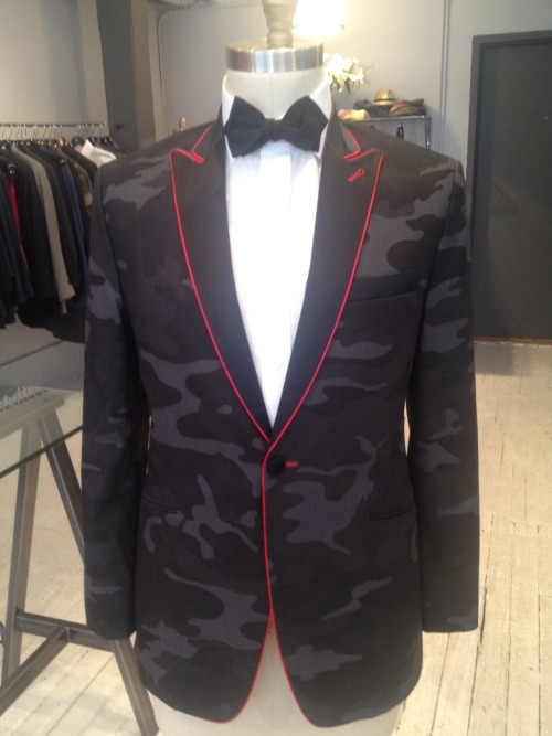 alexandernash:  Dinner (jacket) Time! Alexander Nash Bespoke, NYC  ridiculous *faints*
