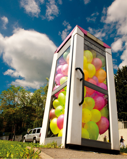 Balloon Filled Phone Booths by Ich Bin Kong.