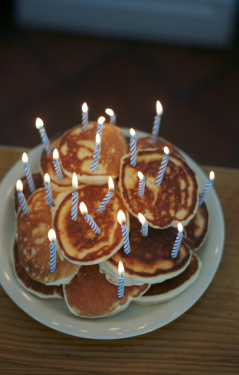qristina:  My ideal bday (pan)cake(s).
