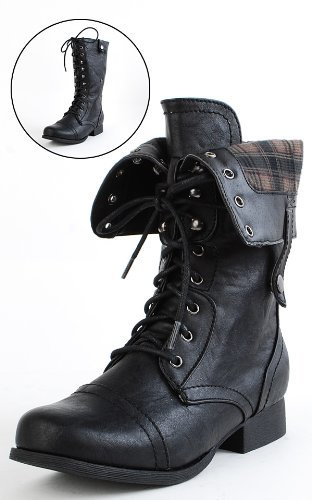 caroline-not-coraline:  GUESS WHO IS GETTING A NEW PAIR OF COMBAT BOOOOOTTTTTSSSS!!!!!!!!!!!!!!!! ME. <3