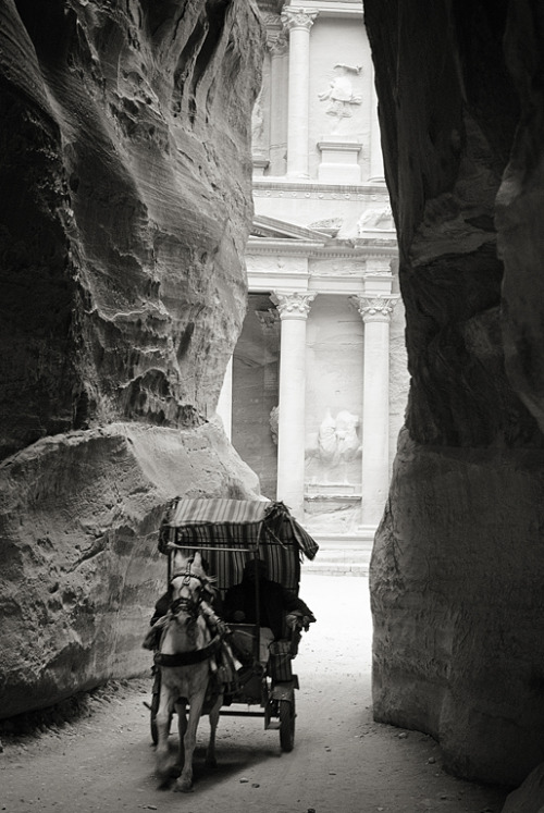 25 Architecture Pics from our Dream Trip Photo Contest Gallery | Petra, Jordan