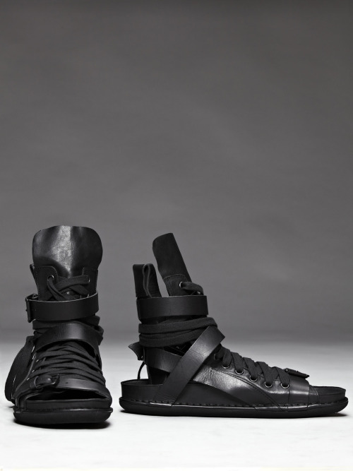 blackparadox:  Ann Demeulemeester Leather Lace Up Sandal I hate sandals but these are gorgeous. Almost a mix between a boot and a sandal with a lot of detail. The complexity is what draws me in here but the simple silhouette is what keeps me entranced. These are probably one of the only pairs of sandals I would consider bringing in to the fold. Of course nothing less than perfection can be expected from AnnVia ATNYC
