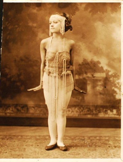 maudelynn:  Unknown Dancer c.1914